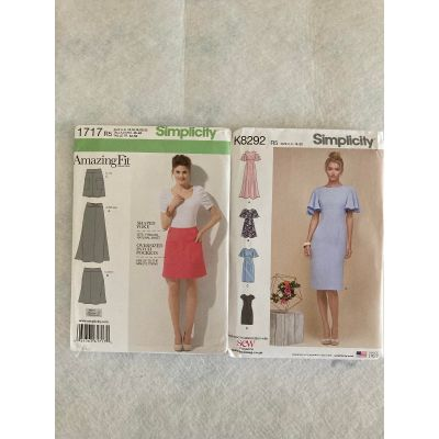 Remnant - 2 x Simplicity Patterns -R5 (14,16,18,20,22 )-  End of Line