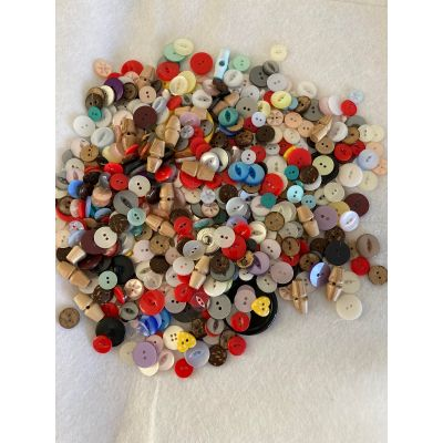 Remnant - Lucky Dip bag 340gm of Mixed Buttons as in photo