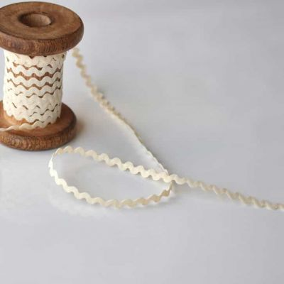 8mm Ric Rac Trim Natural