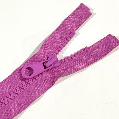 Chunky Open Ended Zip Fuchsia 10 Inches Up to 36 Inches