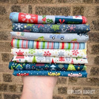 Fat Quarter Bundle: Christmas Themed - Joy, 7 Fabrics