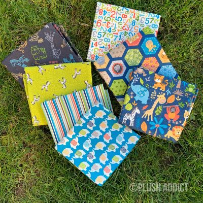 Makower - Jungle Friends Dark - Fat Quarter Bundle - 5 Fabrics