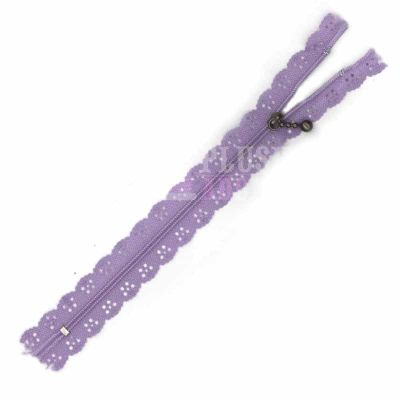 Lace Edged Zip 20cm - Lilac
