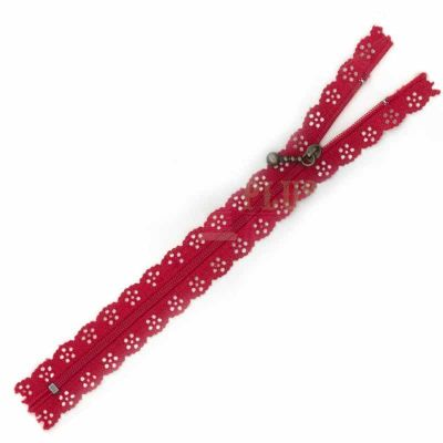 Lace Edged Zip 20cm - Red