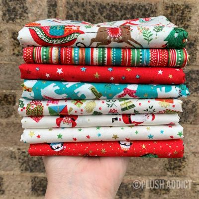 Makower - Let It Snow - Fat Quarter Bundle - 8 Fabrics