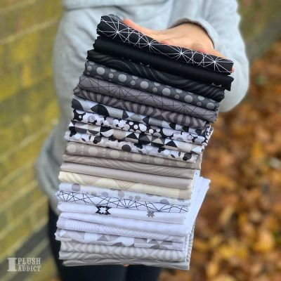 Andover - Stealth By Libs Elliot - Fat Quarter Bundle - 16 Fabrics