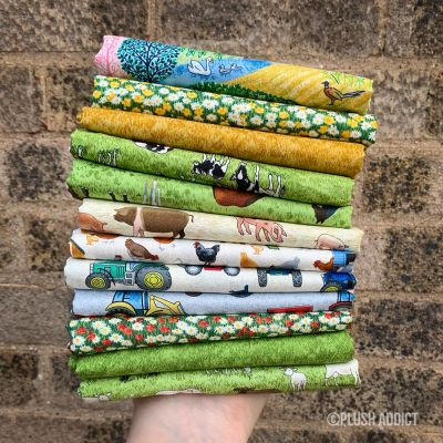 Makower - Village Life - Fat Quarter Bundle - 12 Fabrics