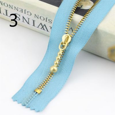 Metal Tooth Zip With Brass Teeth - Number 3 Weight - 20cm - Light Blue