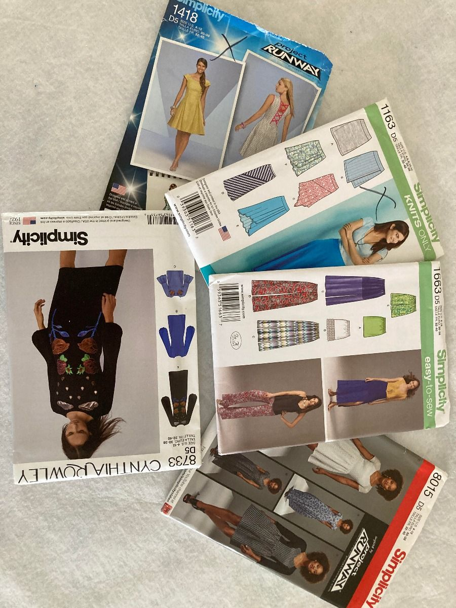 Remnant - 5 x Simplicity Sewing Patterns - D5 (4-12) - End of Line