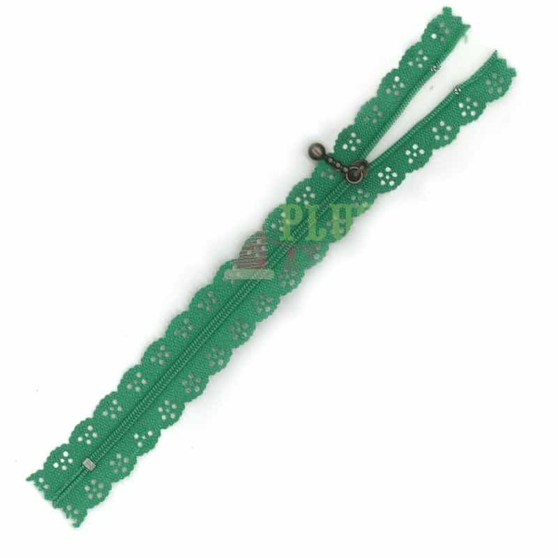 Lace Edged Zip 20cm - Kelly Green