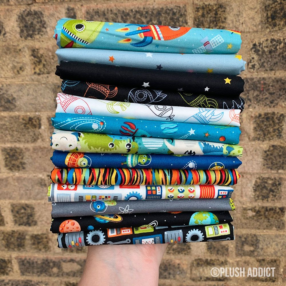Makower - Outer Space  - Fat Quarter Bundle - 13 Fabrics